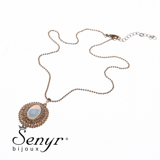 Chain with pendant