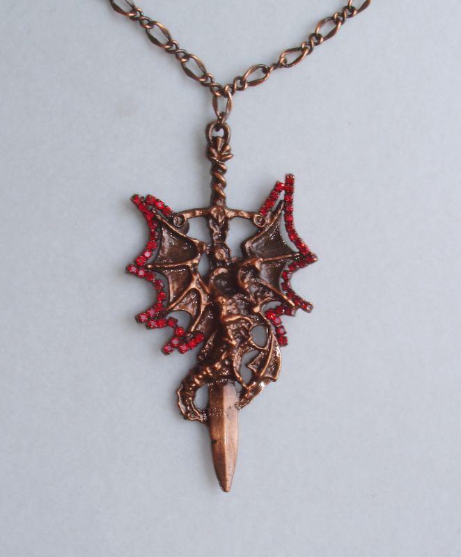Okřídelný drak s mečem / Dragon with sword