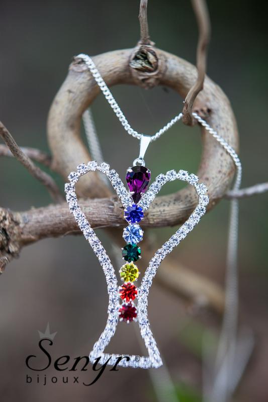Anděl s čakrovými kameny / Angel with chakra gemstones