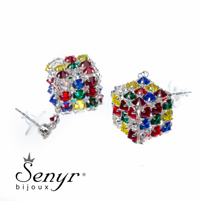 Earrings cubes